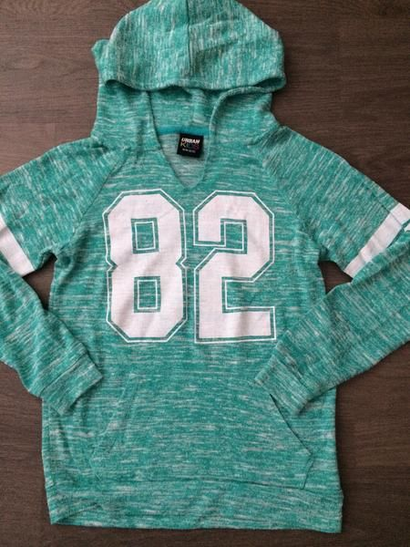 Pullover Hooded Sweater (Girls Size 10-12)