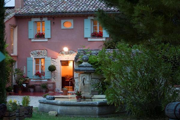 jolie maison et magnifique décor