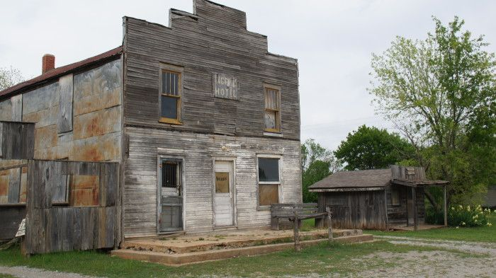 1. Ingalls-  Settled after the 1889 land rush, this busy town had about 150 people living in it. This ghost town was the site of a shootout between the Doolin and Dalton gangs. There is a stone memorial in the town in remembrance of the marshals who were killed.
