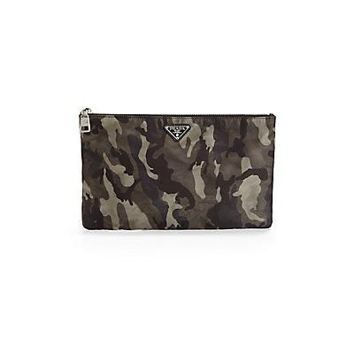 €216, Dunkelgraue Camouflage Leder Clutch Handtasche von Prada. Online-Shop: Saks Fifth Avenue. Klicken Sie hier für mehr Informationen: https://lookastic.com/men/shop_items/63177/redirect