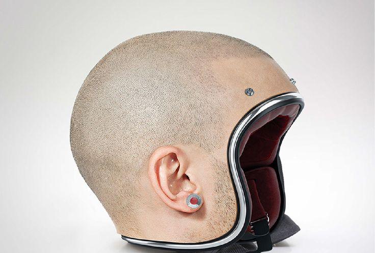Des casques en forme de crânes rasés, le comble !