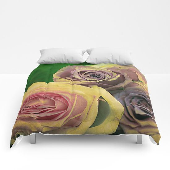 Vintage roses(11) Comforters
