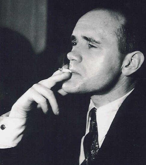 JEAN GENET    (Paris, 19 décembre 1910 - 15 avril 1986)     -Le Condamné à mort (1942)     -Notre-Dame-des-Fleurs (1944)     -Miracle de la rose (1946)     -Les Bonnes (1947)     -Querelle de Brest (1947)     -Journal du voleur (1949)