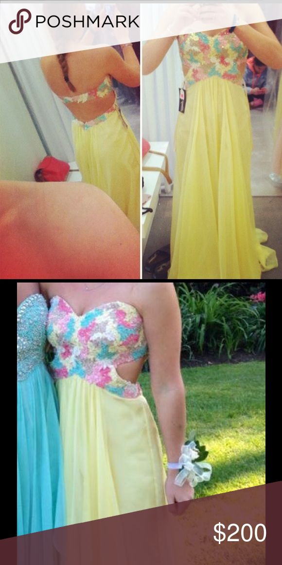 "Yellow prom dress Strapless floral prom dress in perfect condition. Size 2. Hemmed for person 5' 4"". Very cheap!! Sherri Hill Dresses Prom"