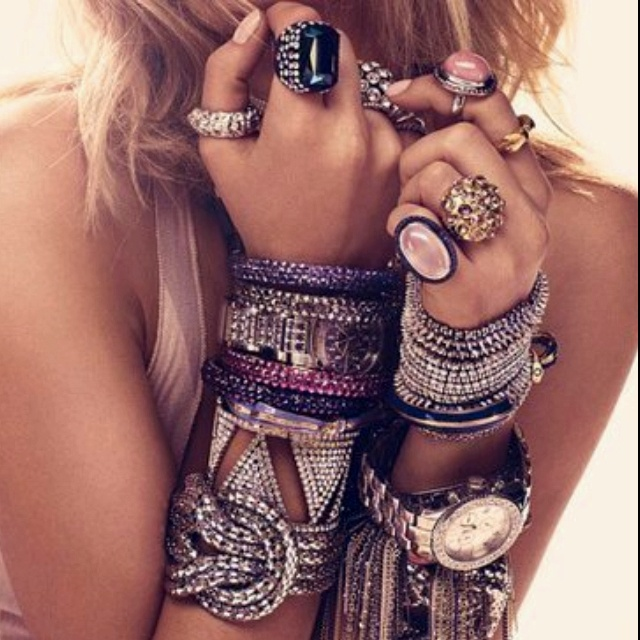 Gorgeous shot and love the jewellery! Statement pieces are such a  good way to accessorise this season!