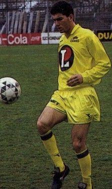 Blog de zinedine-zidane :Zinédine Zidane, Ses débuts