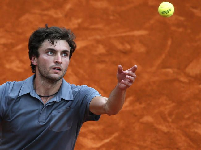 Gilles Simon- I haven't really seen him play, but he is VERY good-looking.