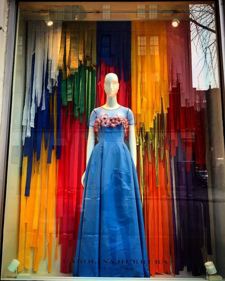 "CAROLINA HERRERA, New York, ""Paper Trail"", photo by Window Shop NYC, pinned by Ton van der Veer"
