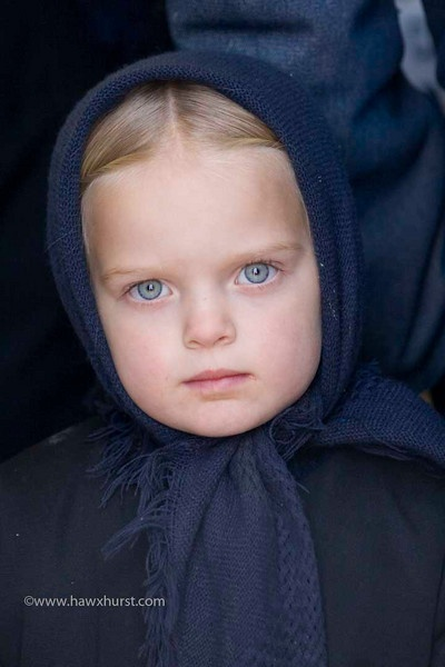 sweet face.: Eye Hair Freakl, Sweet Faces, Amish Quilts, Amish Life, Amish Girls, Blue Eye, Beautiful Children, Beautiful Eye, Amish Mennonit