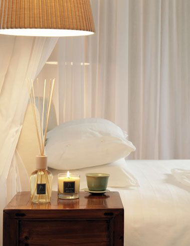 Creating a bedroom sanctuary with Jaye Niemi Australia : Aroma Reeds, Scented Candles and Aromatic Oils shown here...  www.jayeniemi.com