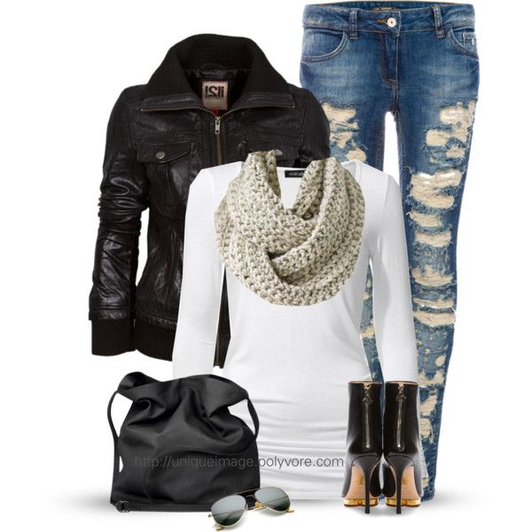 Chic Outfit: Ripped Jeans, Distressed Jeans, Black Leather Jackets, Ripped Skinny Jeans, Casual Style, Chic Outfits, Winter Outfits, Fall Wint Outfits, Black Accent