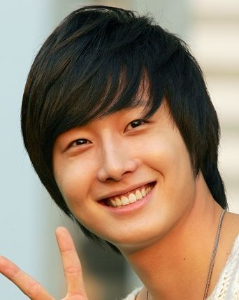 Not Lee Min Ho, but Jung Il Woo is a close second