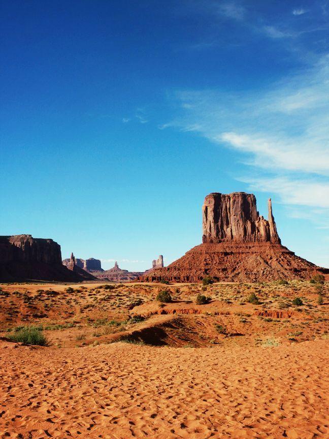 Monument Valley, la majestueuse frontière qui sépare l'Arizona de l'Utah. Le paradis pour les road trip! #usa #arizona #utah #voyage #roadtrip