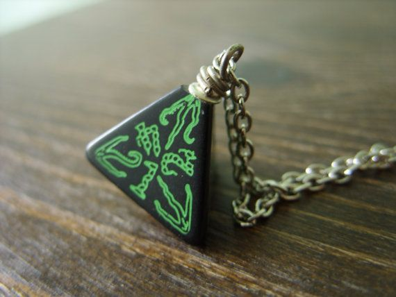 call of Cthulhu necklace D4 dice necklace dungeons by MageStudio