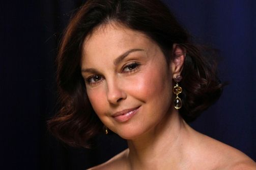 """Ashley Judd slaps media in the face for speculation over her """"puffy"""" appearance. A must read."""