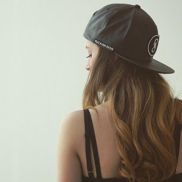 #snapback #hair #long #puckishdog #polishgirl  #ombre #wave #dziewczyna #apparel #black #minimalism #bad #miło #dziewczynywsnapbackach