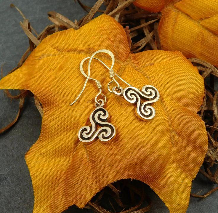 Wikinger/Kelten Ohrringe/Ohrhänger Bronze mit Triskele  *kostenloser Versand* von BelanasSchatzkiste auf Etsy