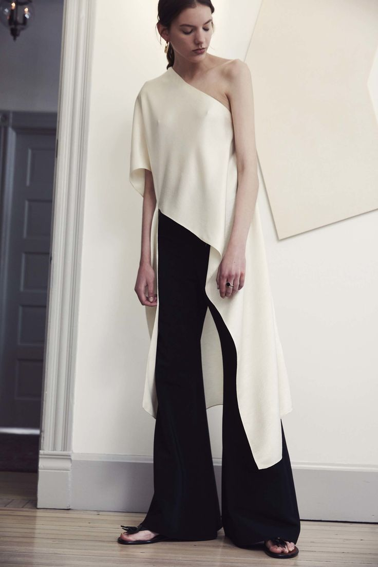 Contemporary Fashion - asymmetric top & wide leg trousers; black & white style // Rosetta Getty Resort 2017