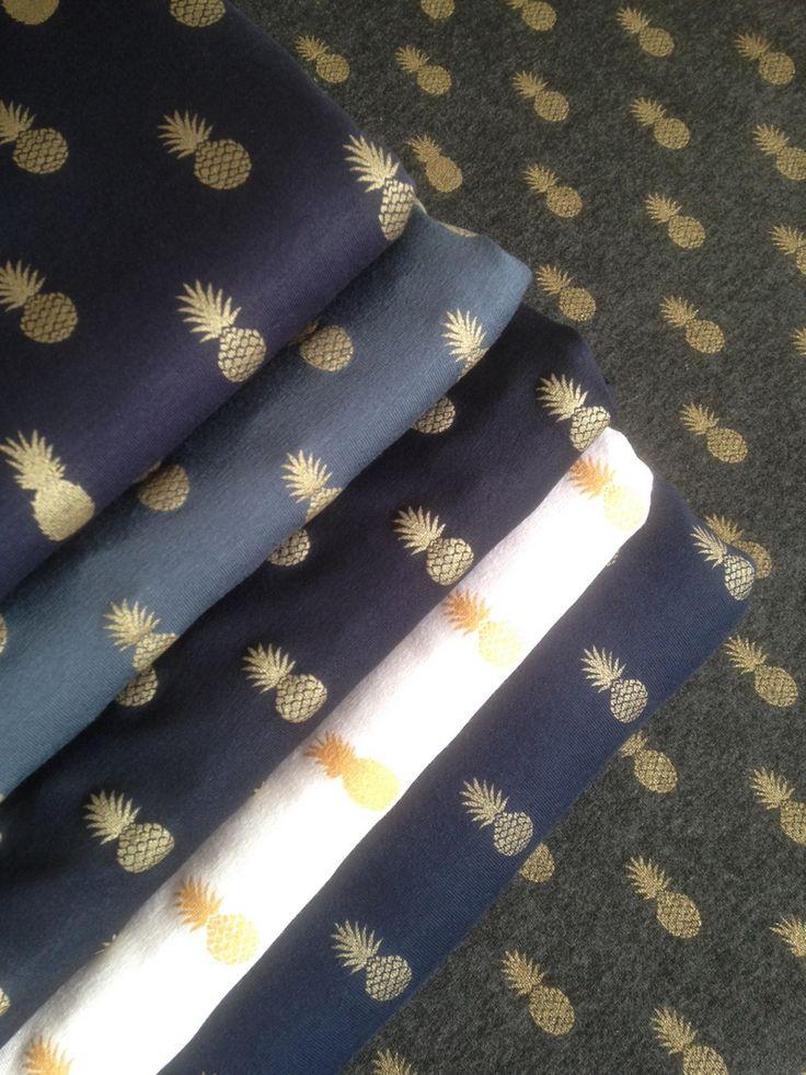A nana's fabric, molleton marine, 20 x 140 cm - Sweat et molleton - Motif Personnel