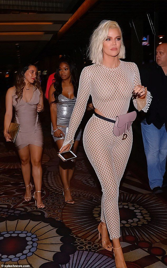 Khloe Kardashian praised for unedited bikini photo she