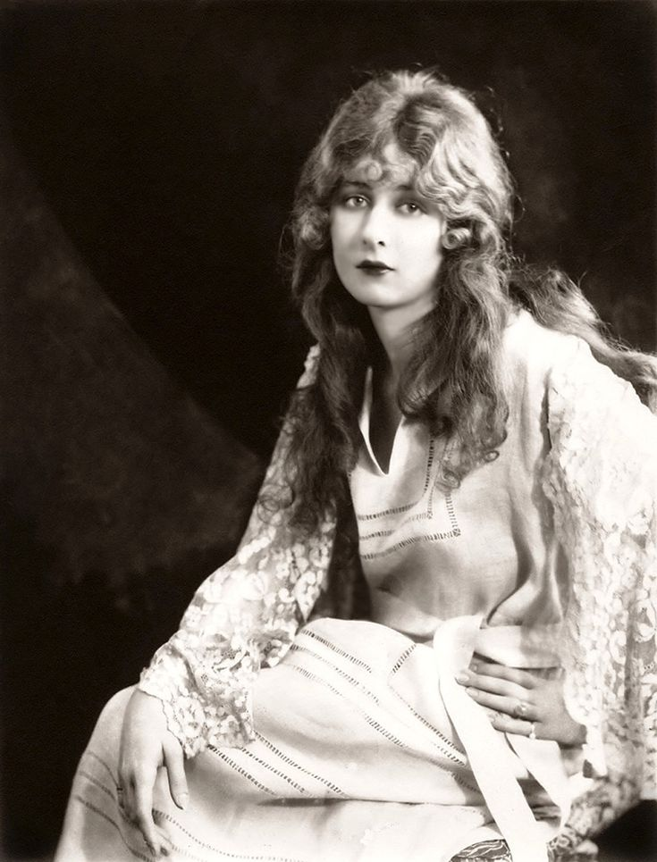 Mildred Harris was a notable actress of the silent film era and was once married to Charlie Chaplin. She performed in films from 1912-1945