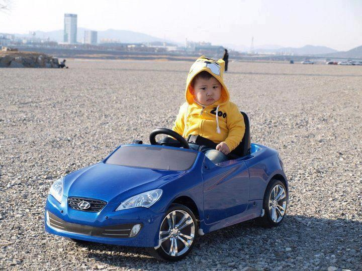 Kid-sized Hyundai Genesis Coupe