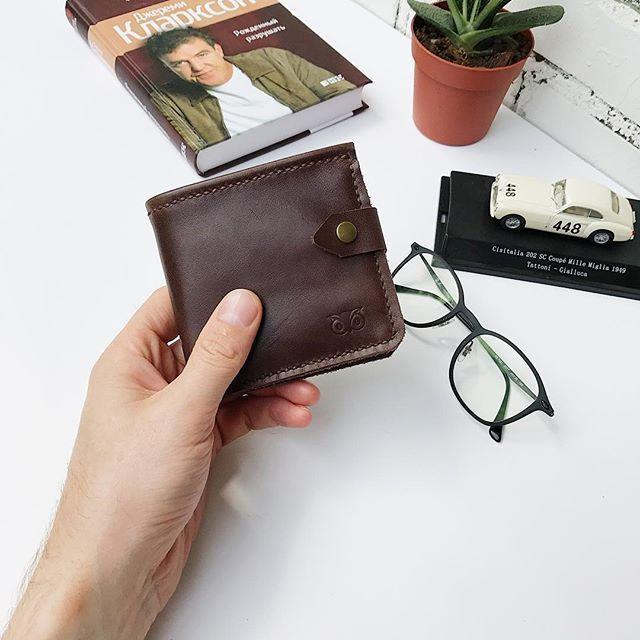 Кошелёк, который, никого не оставит равнодушным! Мягкий, приятный и функциональный. Одел для денег, отдел под мелочь и под карты. Прошит вручную. #sherwood #кошелек #кожаныйкошелек