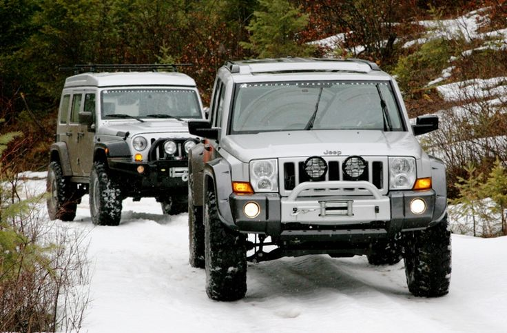 I like Jeep Commanders.