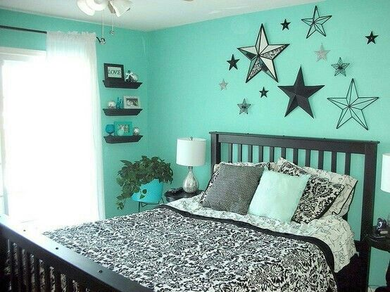 Mint Black And White Teen Room. love the wall accents that show the wall color through them;