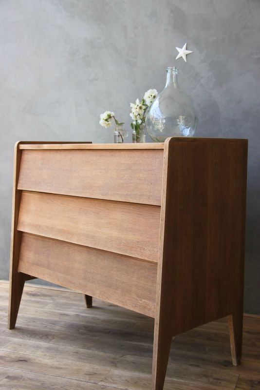 Commode vintage et petit buffet parisien avec sa patine d for Le meuble villageois furniture