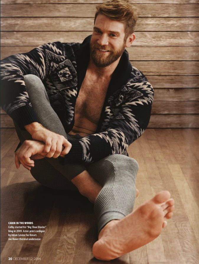 Barefoot Gays Naked 32