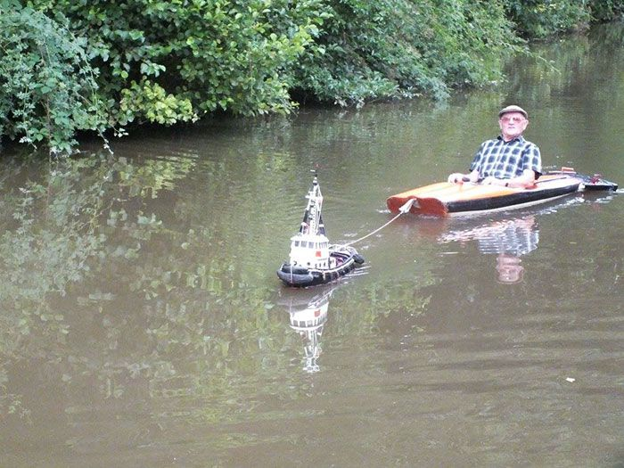 tiny-tug-boat-remote-controlled-mick-carroll-1