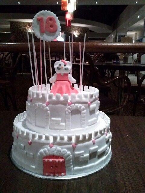 #Hellokittycake #caslecake #cake #homebaking