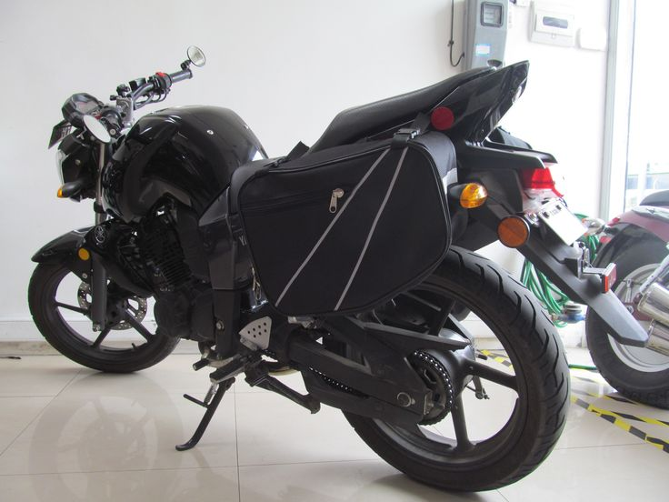 Modificación de mi moto Yamaha FZ-16 - Cambio de Espejos por unos BAR END y Alforjas.
