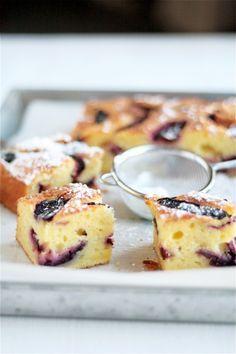 torta di ricotta e susine (ricotta and plum cake)