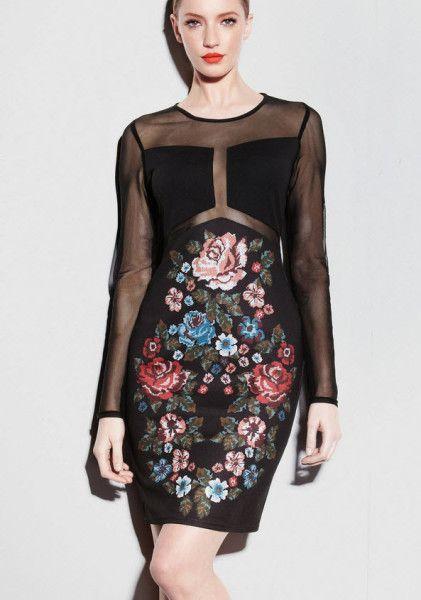 Rochie stil baroc din doua materiale cu imprimeu floral pe fond negru http://thankyou.ws/rochii-de-seara-scurte-cele-mai-frumoase-rochii-de-unde-cumperi  #rochiidesearascurte