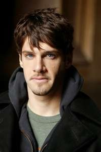 Justin Bartha (Riley Poole in National Treasure)
