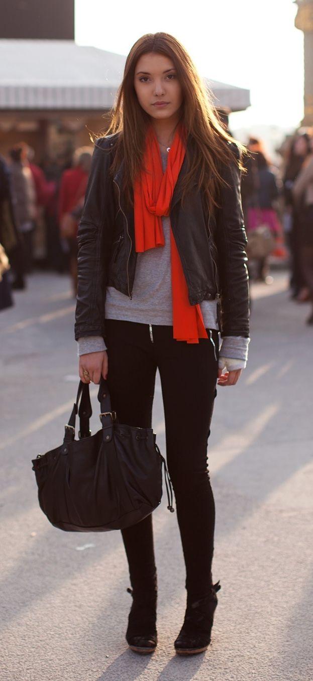 Cachecol laranja deu megaaa vida ao look Inverno!