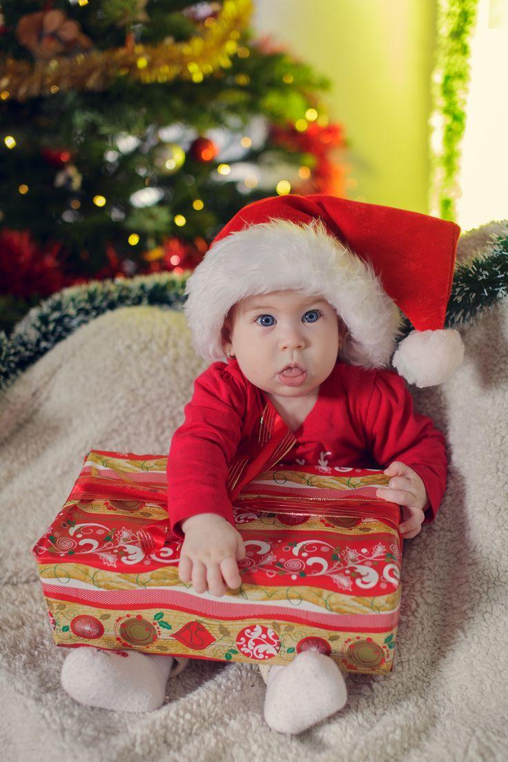 #christmasphotoshoot #firstchristmas #studiophotography #kids