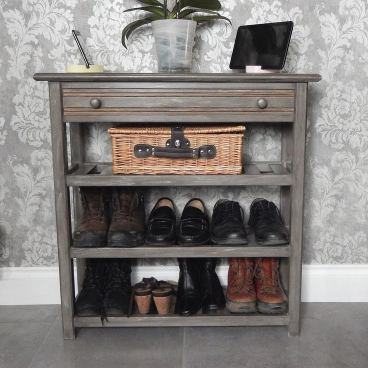 Best 25 entryway furniture ideas on pinterest for Foyer shoe storage ideas