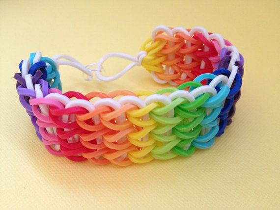 Swag Idea - Rainbow Rubber Band BraceletRainbows Rubber, Crafts Ideas, Rubberband Braclets, Rubber Bands, Rubber Band Bracelets Ideas, Loom Band, Loom Bracelets, Teen Crafts, Rainbows Loom