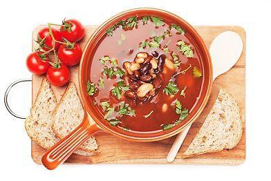 Рецепт: Томатный суп с красной фасолью. Фасолевый суп ничем не уступает мясным блюдам, благодаря наличию фасоли в его составе. А она, как мы знаем, богата растительными белками. Пусть этот быстрый рецепт вкусного блюда станет Вашим фирменным!