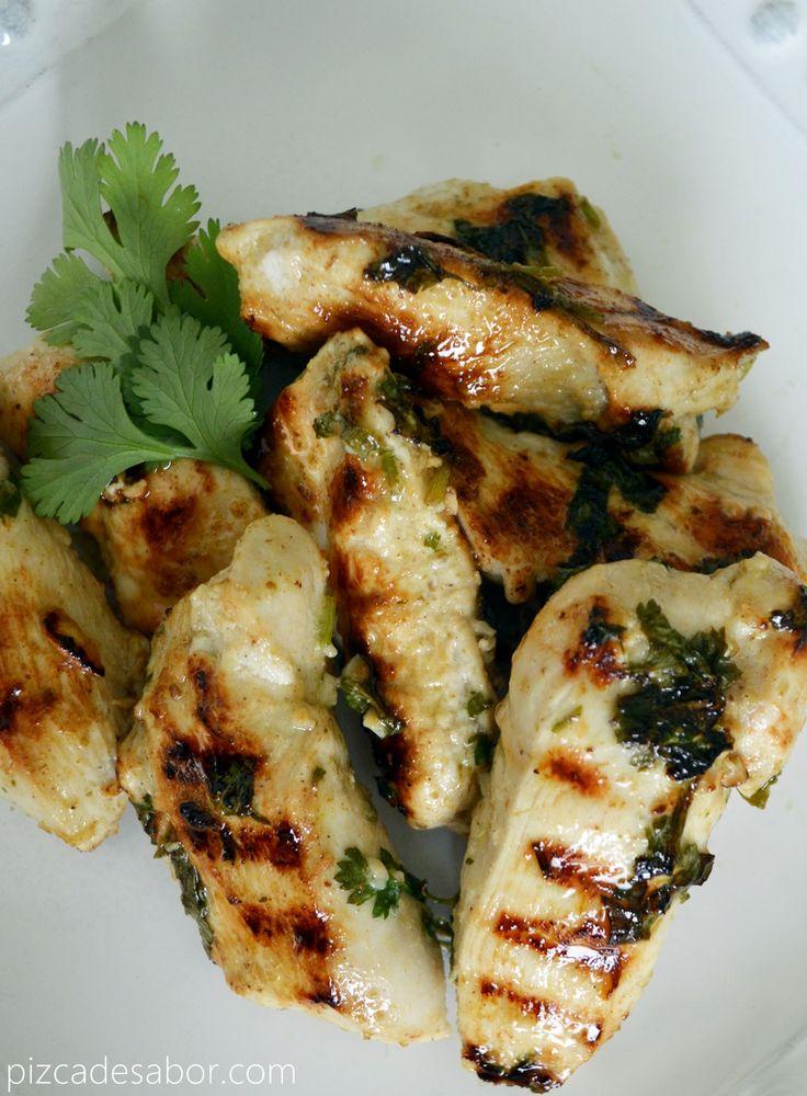 Fajitas de pollo a la parrilla con marinada de limón y cilantro - www.pizcadesabor.com