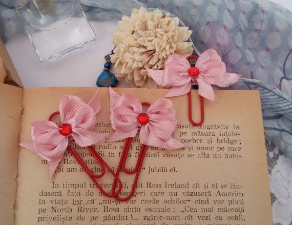 3 red planner clips bows paperclips red page by Rocreanique on Etsy