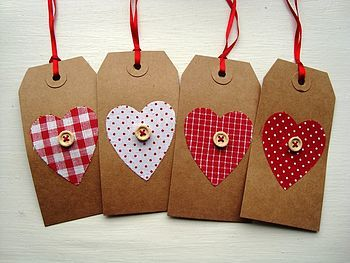 Button gift tags - an easy way to pretty a present for valentines
