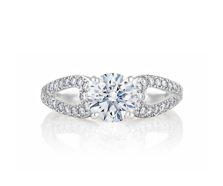 交差するダイヤモンドのパヴェラインが永遠の愛を象徴するDe Beers Infinity ハート リング。 *エンゲージリング 婚約指輪・デビアス*