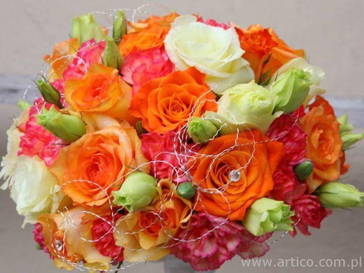Bukiet ślubny kolorowy eustoma róża, delikatny drucik.  #bukiet #ślub #wesele  www.artico.com.pl www.facebook.com/artico.kwiaty