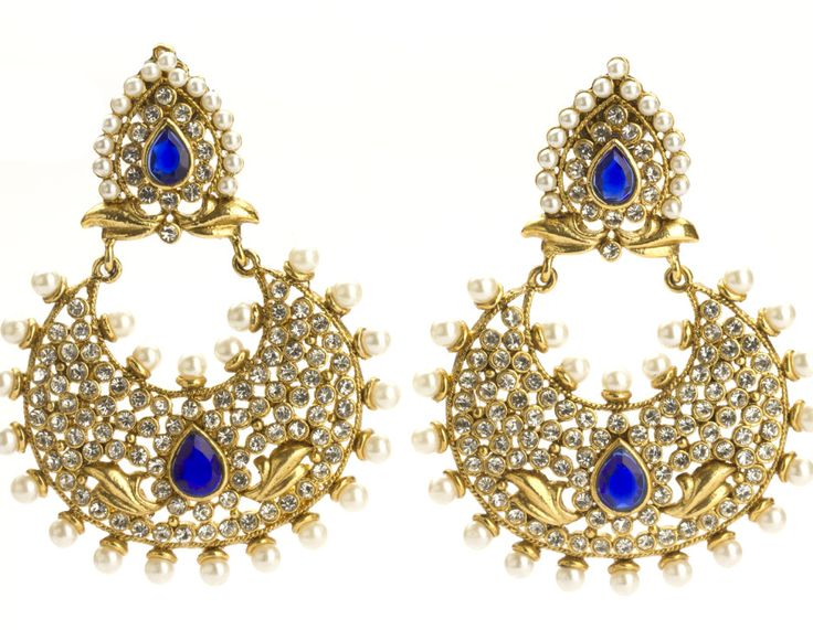 Be the star of the night with these dazzling #polki and #kundan earrings. Shop NOW!