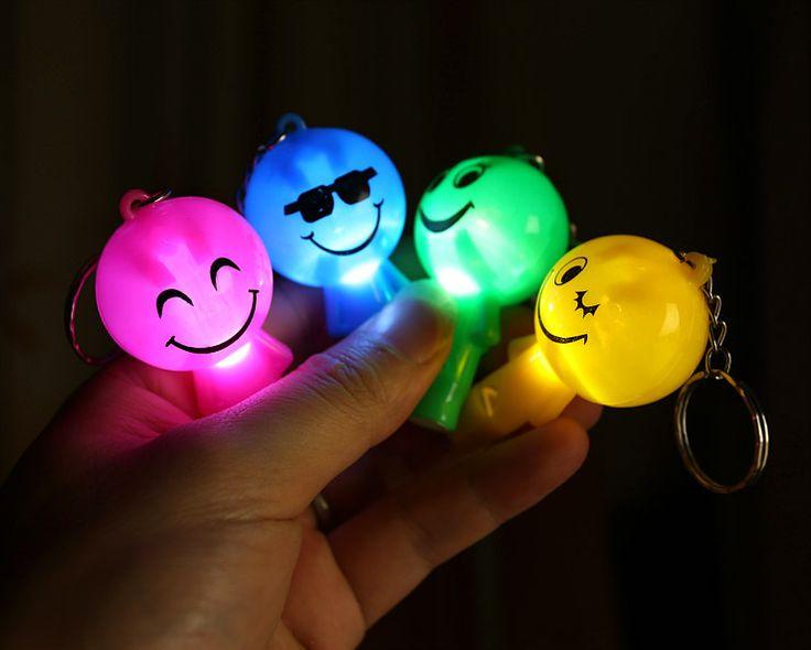 1pcs Novelty creative cartoon smiley face whistle keychain toy free shipping