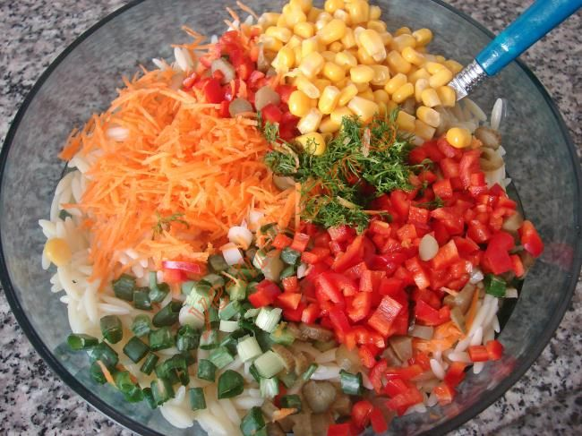Arpa Şehriye Salatası Resmi